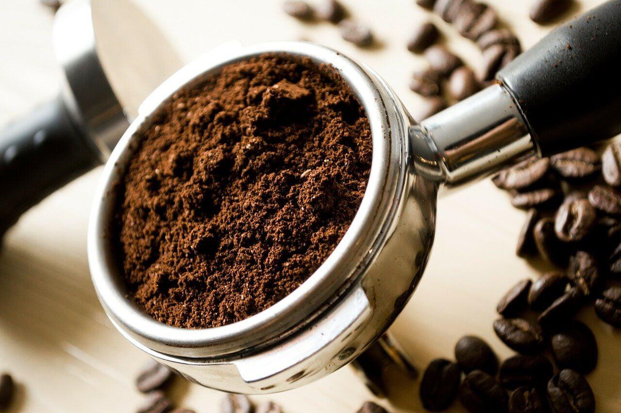 coffee grounds block drain